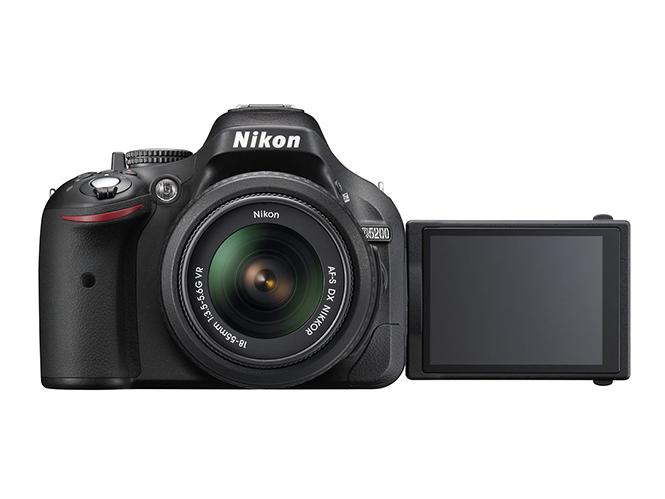 Έρχεται η νέα Nikon D5200.