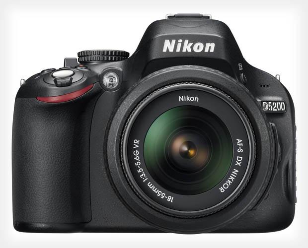 Νέο Firmware για τη Nikon D5200