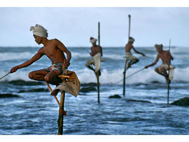 Steve Mccurry stilt fishermen