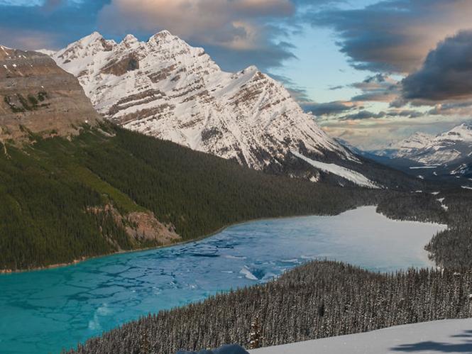 Εξαιρετικό Time Lapse video για τα βουνά του Καναδά