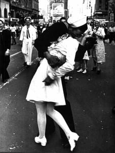 Alfred Eisenstaedt V-J Day photo