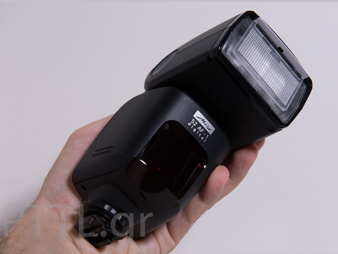 Flash Metz Mecablitz 52 AF-1 digital (Hands-on)