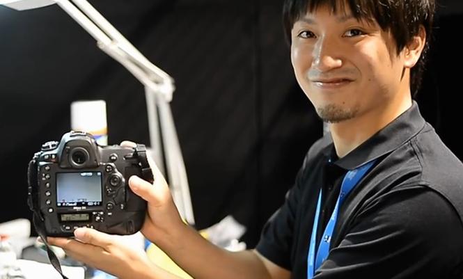 Τεχνικός της υπηρεσίας NPS διορθώνει μία Nikon D4 μέσα σε είκοσι λεπτά