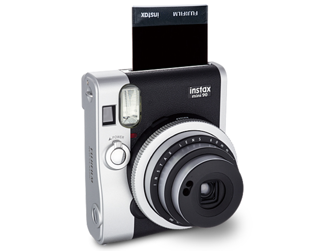 Νέα Fujifilm Instax Mini 90, με υπέροχη ρετρό σχεδίαση