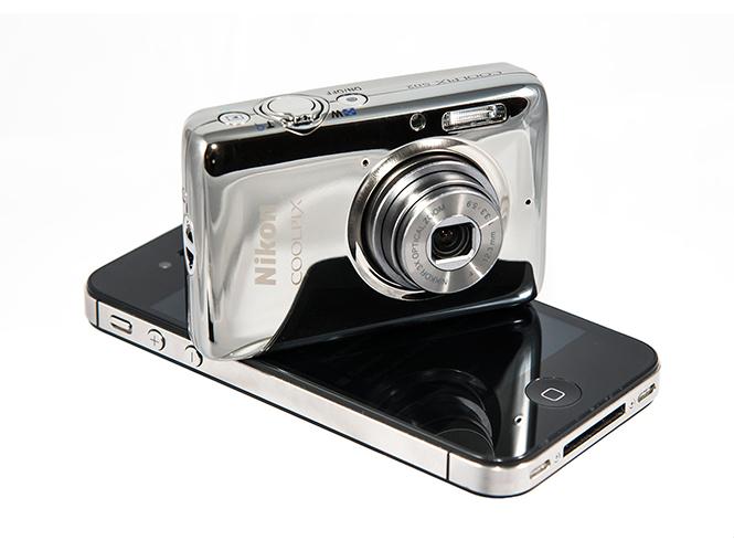 Νέα Nikon Coolpix S02, μία πραγματική μηχανή τσέπης