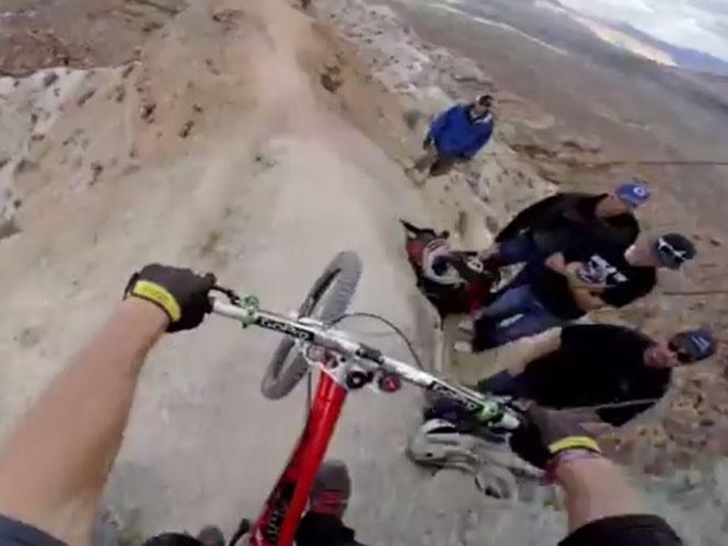 GoPro καταγράφει mountain biker σε τρελή κατάβαση