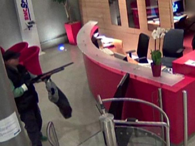 Φωτογράφος πυροβολείται στα γραφεία της Liberation από άγνωστο άντρα