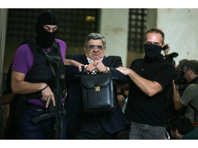 Η φωτογραφία μιας Ελληνίδας βρίσκεται ανάμεσα στις καλύτερες εικόνες του Associated Press για το 2013