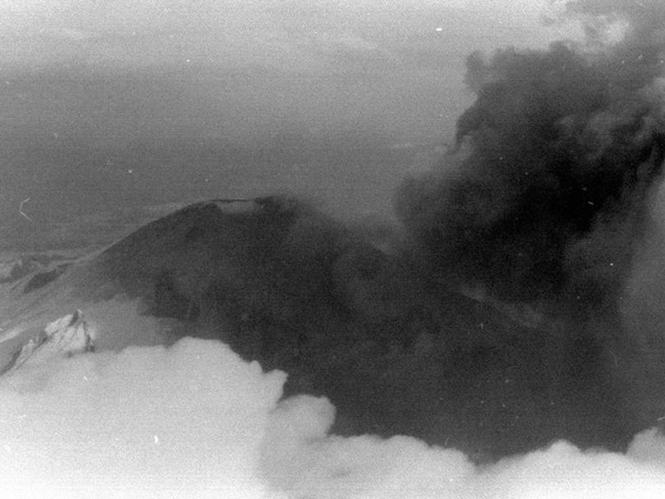 Φωτογραφία του Όρους της Αγίας Ελένης 5 εβδομάδες πριν την έκρηξη. Reid Blackburn