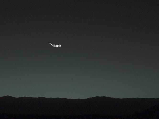Το Mars Curiosity Rover βγάζει την πρώτη φωτογραφία της Γης από τον κόκκινο πλανήτη