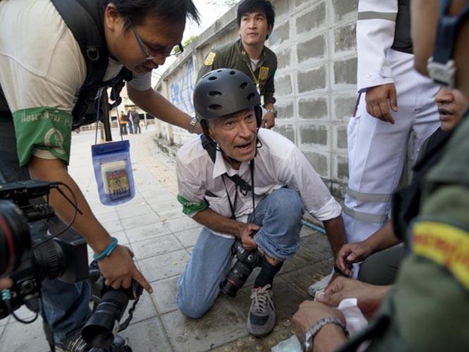 O James Nachtwey τραυματίστηκε σε ταραχές στη Ταϊλάνδη