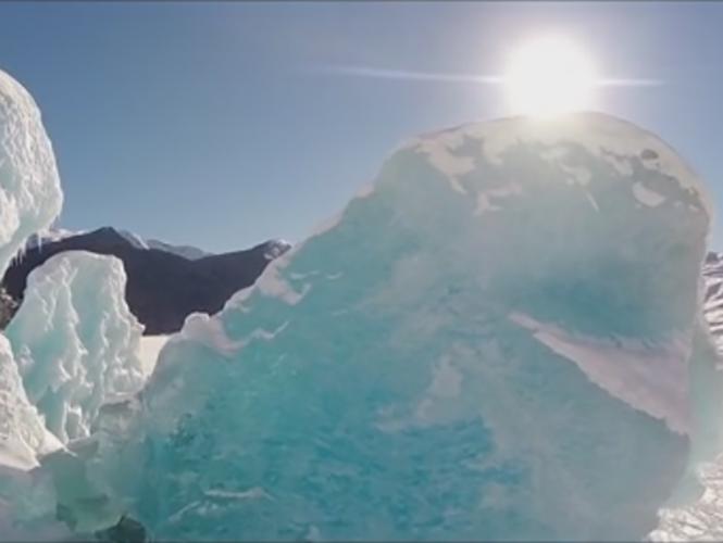 Bigger than Life, drone καταγράφει μοναδικές εικόνες από παγετώνα στην Αλάσκα