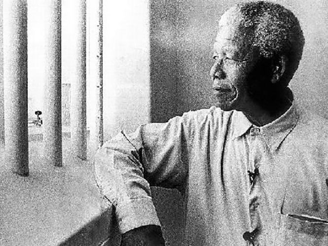 Φωτογραφία του Mandela πωλείται σε δημοπρασία προς 12.700 ευρώ