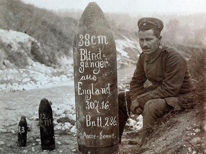 Υπάλληλος καθαριότητας σώζει 5000 φωτογραφίες του Α΄ Παγκοσμίου Πολέμου από τα σκουπίδια