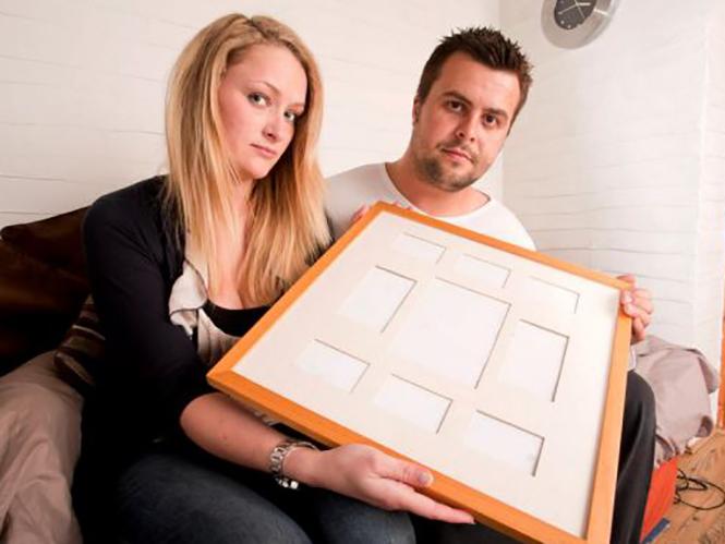 Ζευγάρι μένει χωρίς φωτογραφίες γάμου αφού ο φωτογράφος έχασε την κάρτα μνήμης