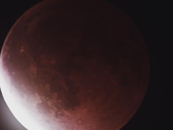 Το φεγγάρι ματώνει σε μοναδικό Time Lapse video