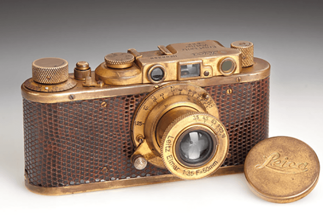 Leica-century-auction-1