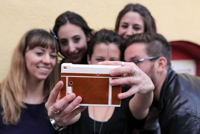 Lomo'Instant-Camera-2