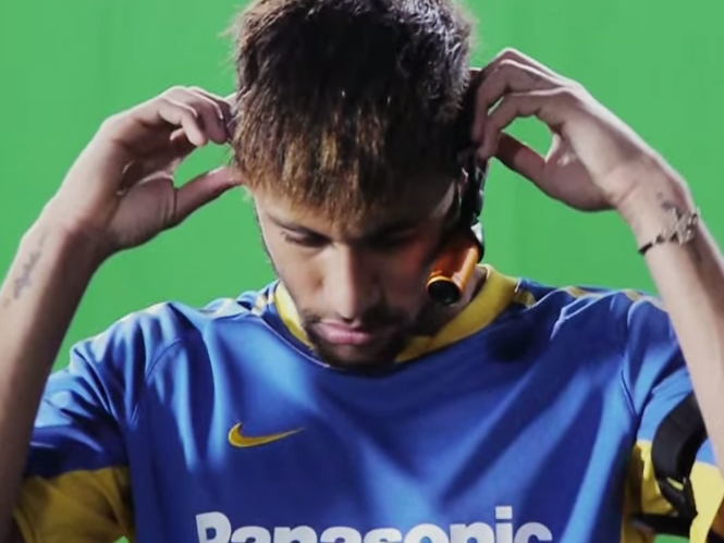 Ο Neymar βλέπει 4K με την βοήθεια της Panasonic HX-A500