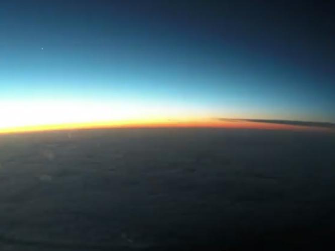 Μοναδικό Hyperlapse Time Lapse video σας βάζει στην θέση του πιλότου ενός Boeing 747