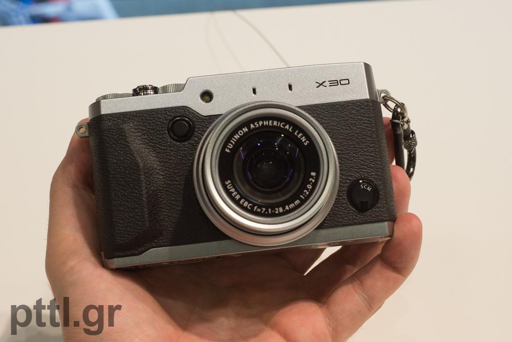 pttlgr-Fujifilm-X30-1