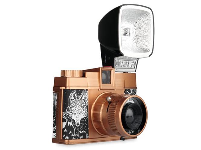 Lomography Diana F+ Explorer Nocturne, νέα μηχανή film μεσαίου φορμά