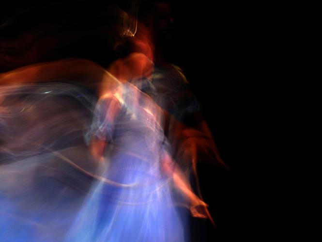 """Έκθεση φωτογραφίας """"ο χορός του μαύρου, του κόκκινου και του μπλε"""""""