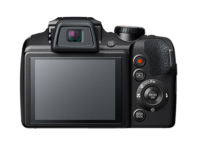Fujifilm FinePix S9900W-1