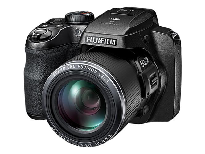 Fujifilm FinePix S9900W-3
