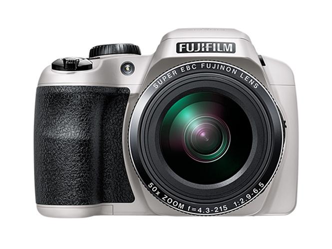 Fujifilm FinePix S9900W-6