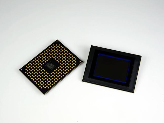 Samsung BSI CMOS APS-C sensor
