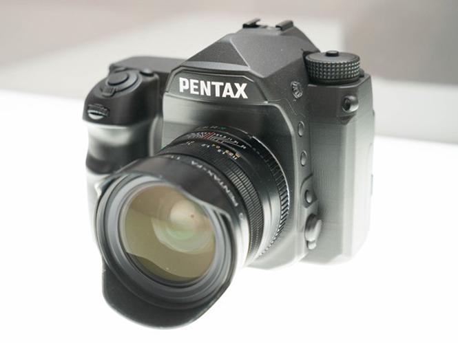 Δείτε φωτογραφίες του mockup της Full Frame DSLR μηχανής της Pentax