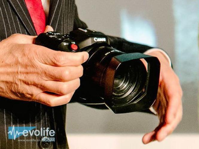 Έρχεται νέα Canon 4K videocamera που μοιάζει με DSLR;