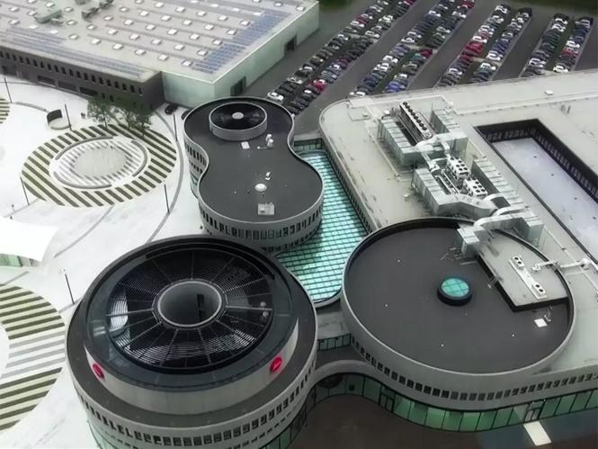 Μοναδικό video μας βολτάρει στο νέο στρατηγείο της Leica