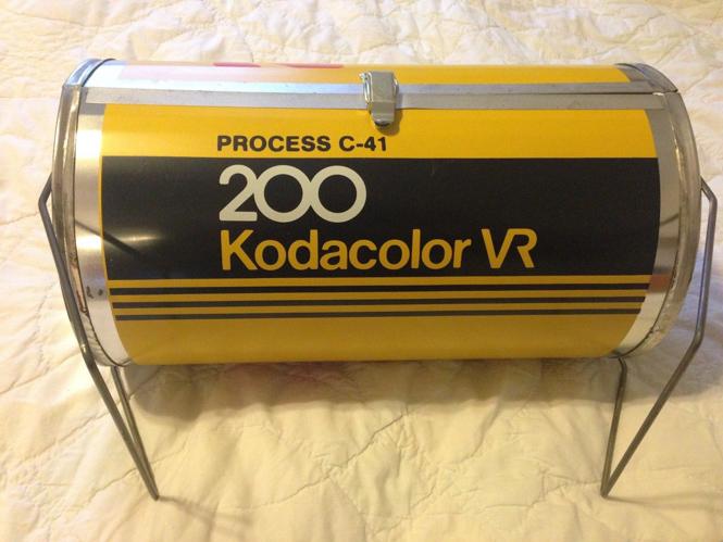 Αυτή η ψησταριά κατασκευάστηκε για να μοιάζει με φιλμ της Kodak