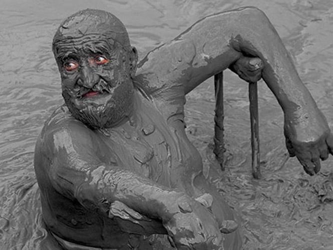 Peloide Therapy,  έκθεση φωτογραφίας του Γιώργου Μυτιληνού στην Ε.Φ.Ε.