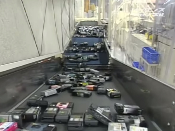 Δείτε πως ανακυκλώνει τις φωτογραφικές μηχανές μίας χρήσης η Fujifilm