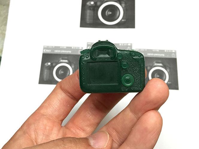 golden-camera-2