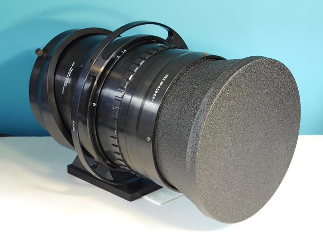Φακός με 200mm και f/1.0 πωλείται στο ebay προς 342.000 ευρώ