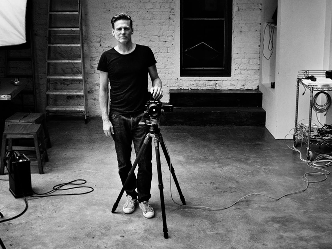 Bryan Adams, τιμήθηκε ως φωτογράφος στα Royal Photographic Society Awards 2015