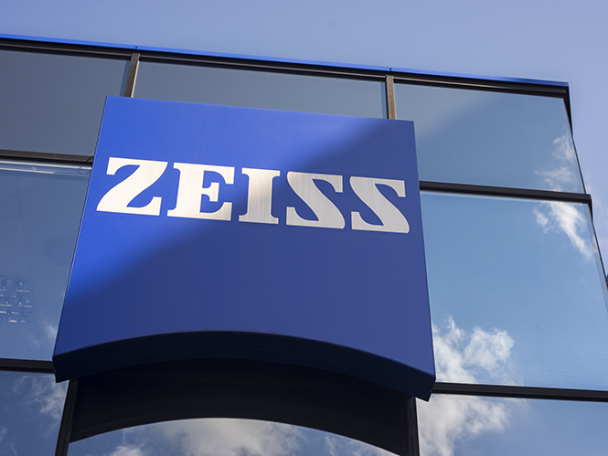 ZEISS, αποκλειστικό ρεπορτάζ από την έδρα του γίγαντα των οπτικών