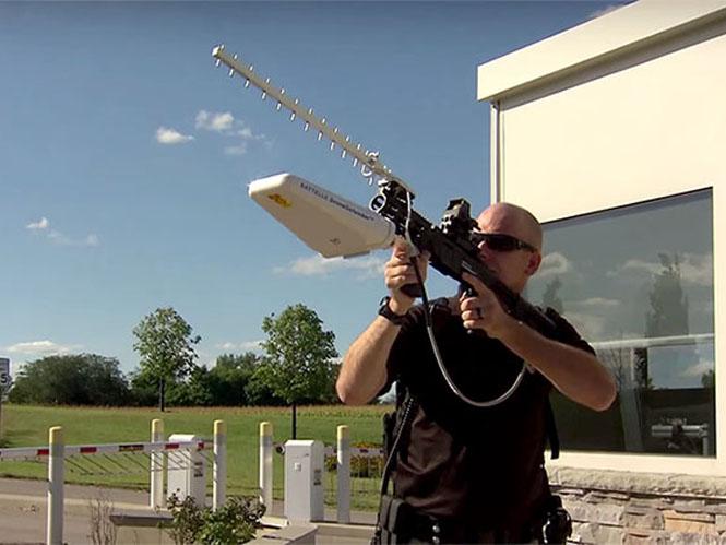 DroneDefender, ένα όπλο για να καθηλώνεις τα drones