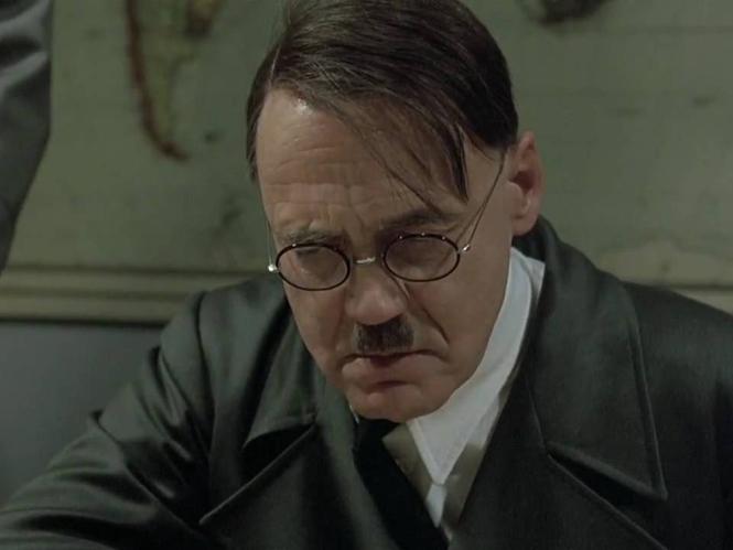 Ο Χίτλερ μαθαίνει το ποσό που θέλει να δώσει ένα ζευγάρι για τον γάμο του