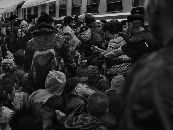 TIME: επέλεξε τις 100 κορυφαίες φωτογραφίες για το 2015