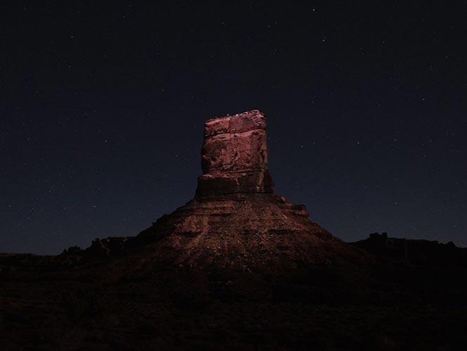 Lux Noctis, φωτογραφίζοντας τοπία τα οποία φωτίζονται από LED σε drone