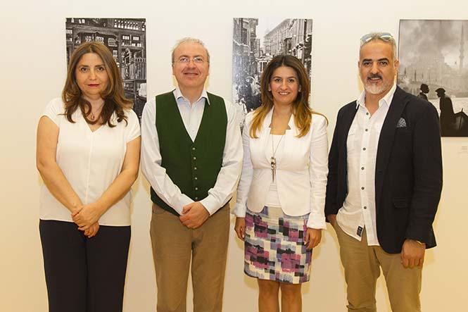 """(Από αριστερά) Ümran Safter, Παραγωγός, Nezih Tavlaş, Σύμβουλος του ντοκιμαντέρ και Βιογράφος του Ara Güler, Aslı Αksungur, Ακόλουθος Πολιτισμού και Τουρισμού της Τουρκικής Πρεσβείας και Fatih Kaymak, Σκηνοθέτης του ντοκιμαντέρ """"The Eye of Istanbul""""."""