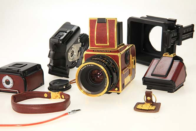 Hasselblad-Gold-Supreme-503CW-1
