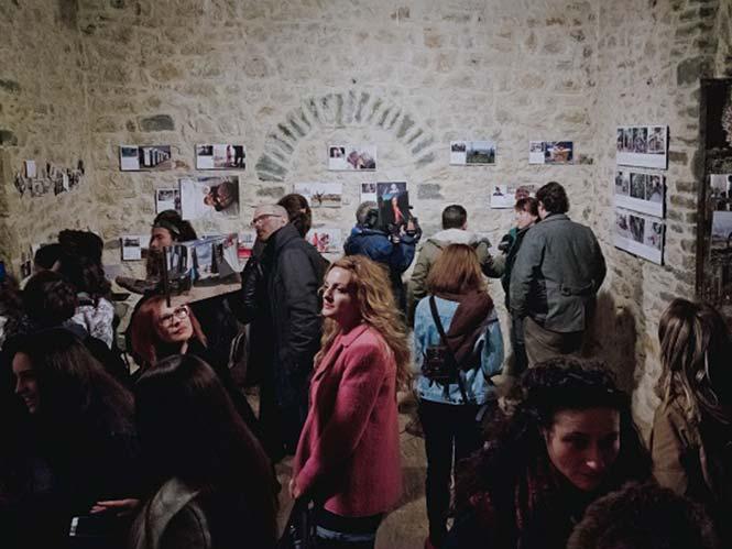 "Eγκαίνια της έκθεσης ""Καρτ ποστάλ από τον Κατσικά-Wish we were not here"""