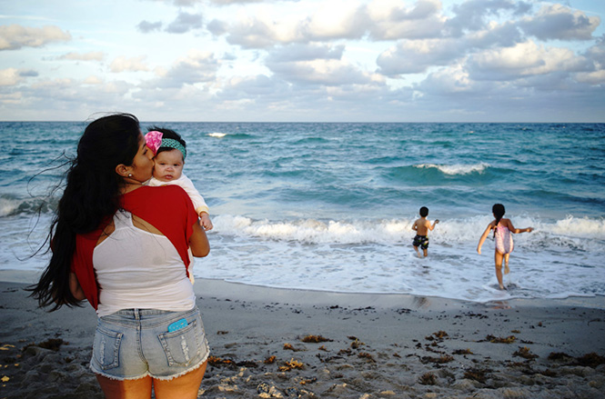 Constantine Manos. Παραλία του Χόλιγουντ, Η.Π.Α. 2015