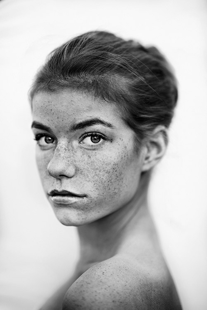 Gabrielle-Robinson-#-USA